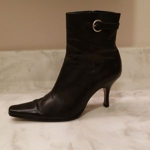 CHARLES DAVID Black Leather Ankle Boots Size 7.5M